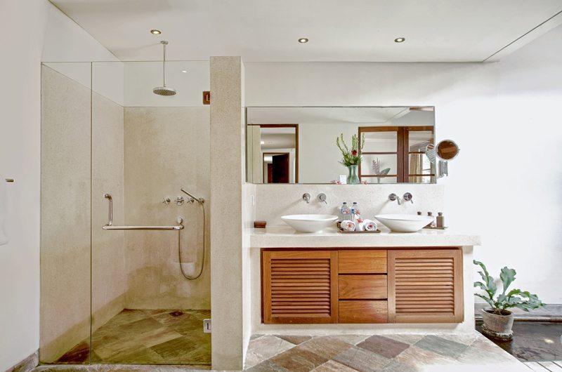 Villa Seriska Satu Sanur Guest Bathroom | Sanur, Bali
