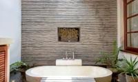 Villa Seriska Satu Sanur Master Bathroom | Sanur, Bali