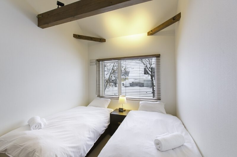 Greystone Twin Bedroom | Hirafu, Niseko