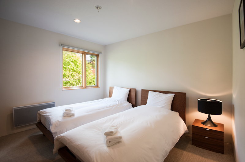 The Chalets At Country Resort Chuzenji Twin Bedroom | Hirafu, Niseko