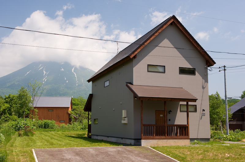The Chalets At Country Resort Ishikari Building | Hirafu, Niseko