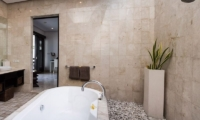 The Residence Villa Zensa Residence Bathtub | Seminyak, Bali