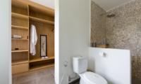 Villa Iluh Bathroom with Walk-In Wardrobe | Petitenget, Bali