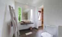 Villa Iluh Spacious Bathroom | Petitenget, Bali
