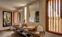 Villa Iluh En-suite Bathroom | Petitenget, Bali