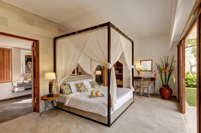 Villa Iluh Bedroom and En-suite Bathroom | Petitenget, Bali
