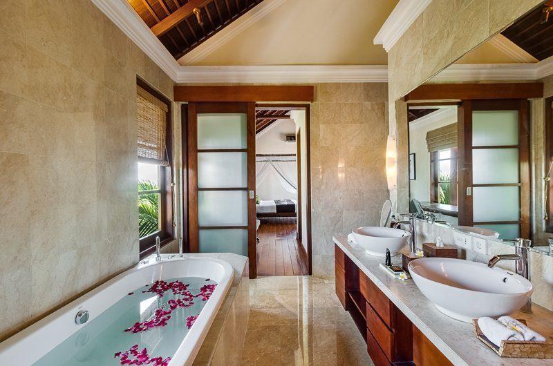Villa Karma Gita Bathtub | Uluwatu, Bali