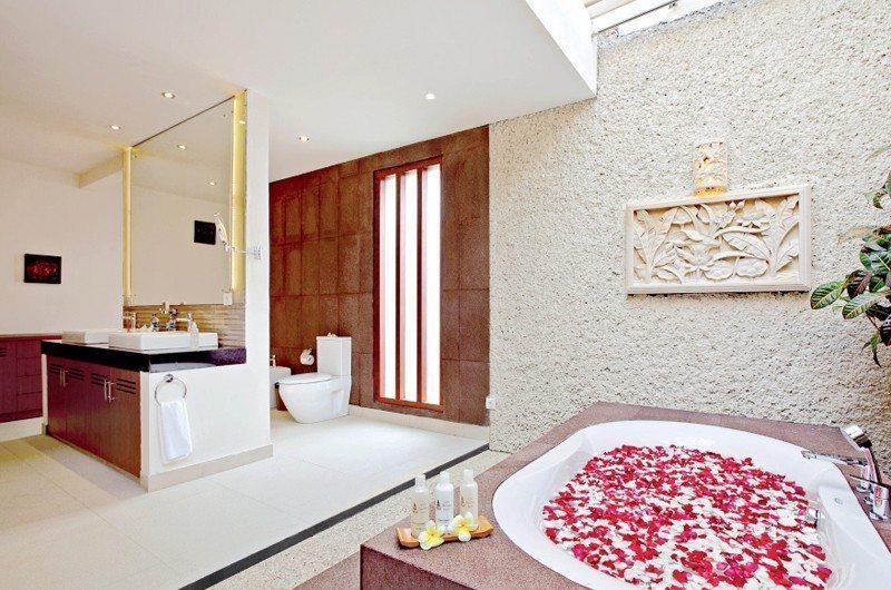 Villa Seriska Dua Sanur En-suite Bathroom | Sanur, Bali