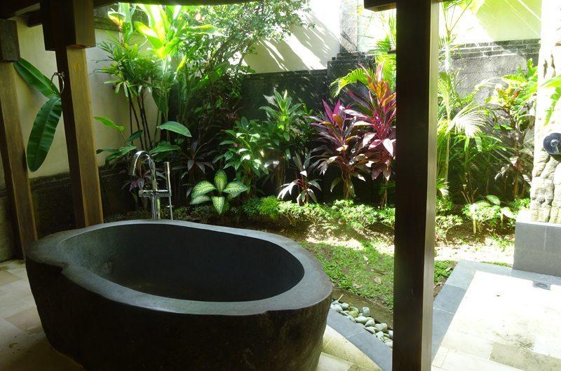 Akilea Villas Kayu Merah Bathtub | Uluwatu, Bali