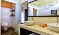 Bali Il Mare Bathroom | Permuteran, Bali