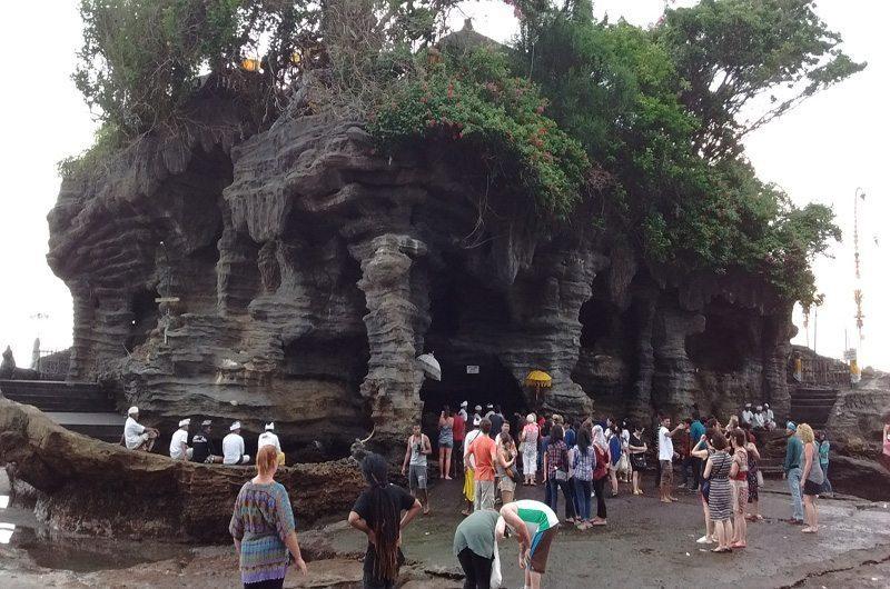 bali-tanah-lot-temple