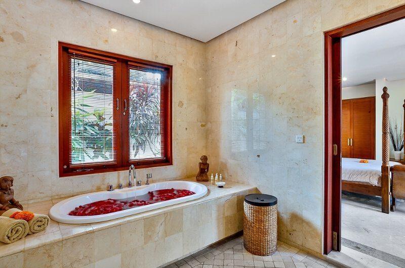 The Residence Villa Shanti Residence Bathtub | Seminyak, Bali
