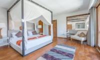 Villa Kadek Master Bedroom | Batubelig, Bali