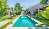 Villa Nyoman Sun Loungers | Petitenget, Bali