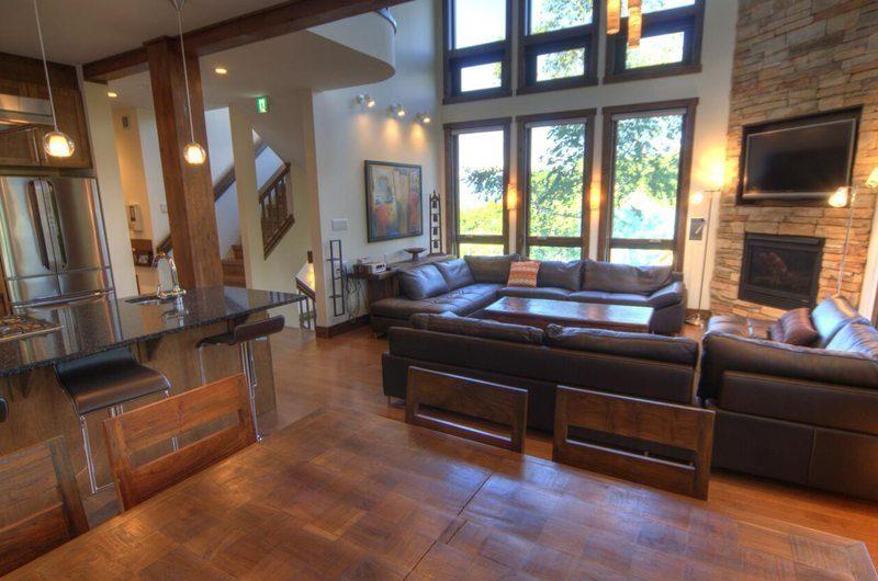 Mangetsu Lodge Living And Dining Pavilion | Hirafu Izumikyo 3, Niseko