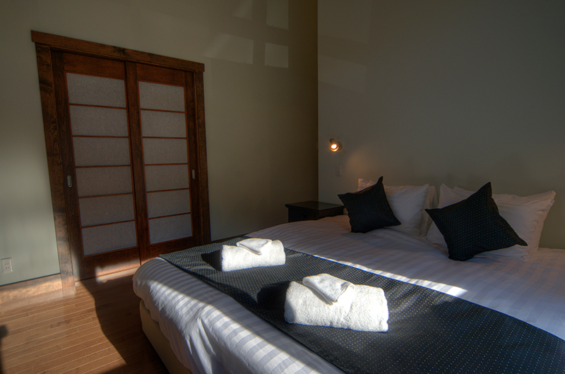 Mangetsu Lodge Bedroom Area | Hirafu, Niseko