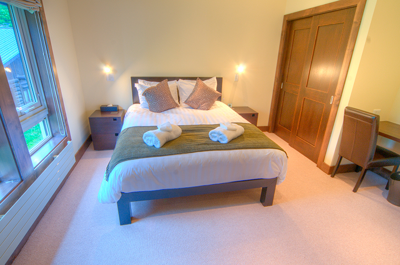 Shika Bedroom with Study Table | Hirafu, Niseko