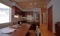 Shirayuki Lodge Dining Table | Hirafu, Niseko