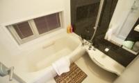 Silverfox Bathtub | Hirafu St Moritz, Niseko