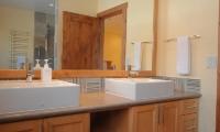 Yukimi Bathroom | Hirafu, Niseko