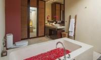 Imani Villas Villa Ariana En-suite Bathroom | Umalas, Bali
