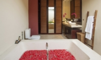 Imani Villas Villa Ariana Bathroom | Umalas, Bali