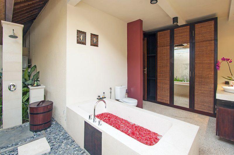 Imani Villas Villa Ariana Bathtub | Umalas, Bali