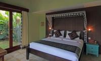 Jabumani Villa Villa Toba Guest Bedroom   Canggu, Bali