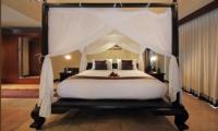 Jabumani Villa Villa Toba Master Bedroom   Canggu, Bali