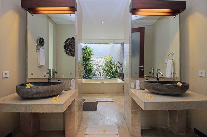 Jabumani Villa Villa Toba En-suite Bathroom   Canggu, Bali