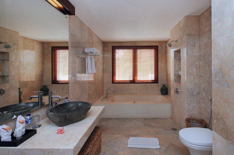 Jabumani Villa Villa Toba Guest Bathroom   Canggu, Bali