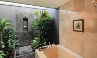 Jabumani Villa Villa Tomak Master Bathroom   Canggu, Bali