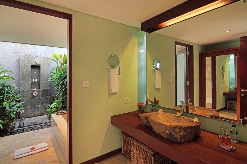 Jabumani Villa Villa Tomak En-suite Bathroom   Canggu, Bali