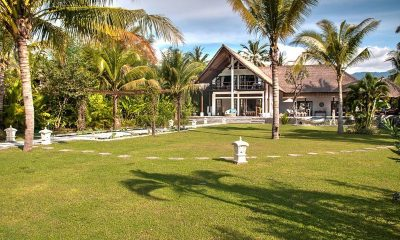 Villa Aparna Lawns | Lovina, Bali