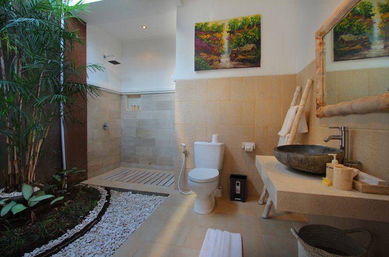 Villa Ashna En-suite Bathroom | Seminyak, Bali