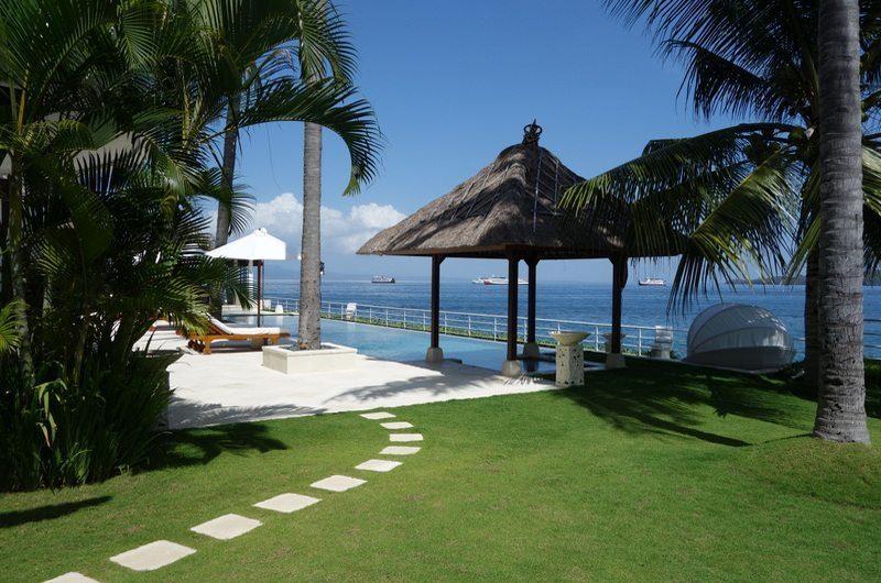 Villa Blanca Tropical Garden | Candidasa, Bali
