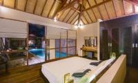 Villa Chez Ami Master Bedroom   Legian, Bali