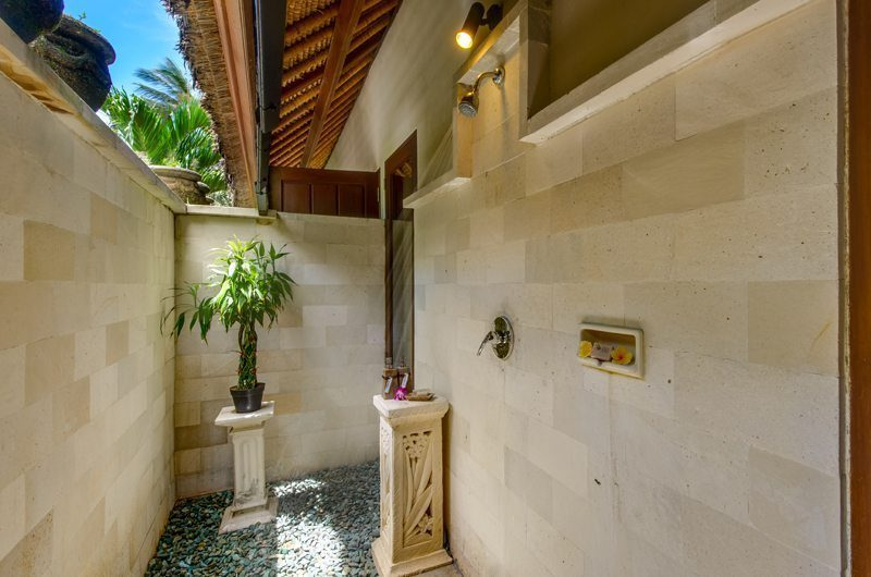 Villa Gils Outdoor Bathroom | Candidasa, Bali