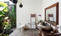 Villa Tempat Damai Bathroom | Canggu, Bali