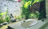 Villa Tempat Damai Bathtub | Canggu, Bali