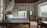 Strawberry Hill Studio Suite Bedroom | Jamaica