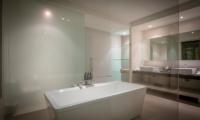 Samujana 10 Bathroom | Choeng Mon, Koh Samui