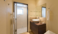 Tahoe Lodge Guest Bathroom | Hirafu, Niseko