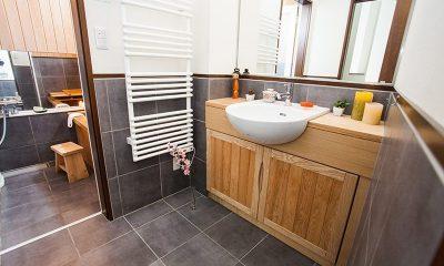 Tamo En-suite Bathroom   Hirafu, Niseko