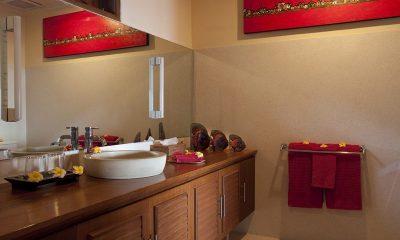 Villa Pantai Bathroom | Candidasa, Bali