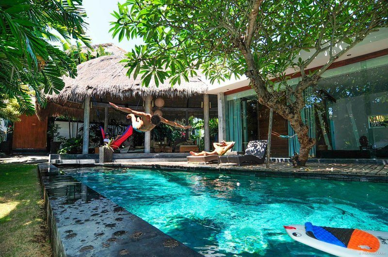 Learn how to Surf in Bali