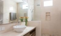Allure Villas Bathroom | Seminyak, Bali