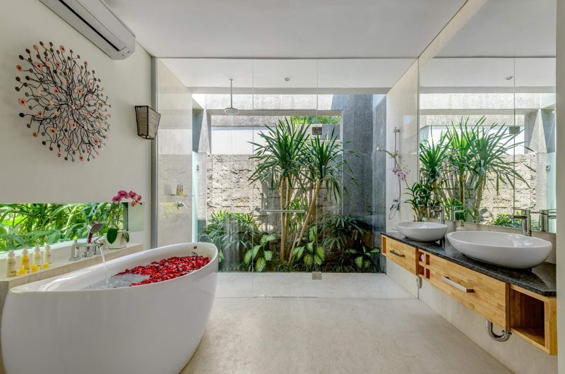 Villa Bamboo Aramanis Bathroom   Seminyak, Bali