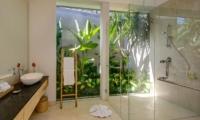 Villa Manis Aramanis En-suite Bathroom | Seminyak, Bali