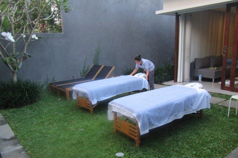 Massage at Aria Villas